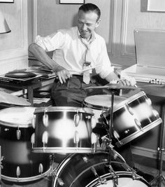 Fred Astaire--I'm drum crazy, plum crazy for drums! Golden Age Of Hollywood, Classic Hollywood, Old Hollywood, Hollywood Music, Hollywood Glamour, History Of Dance, Jerome Robbins, Fred And Ginger, Vintage Drums