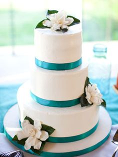 Blue gardenia wedding cake