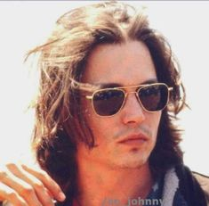 Johnny+Depp+1992+:+Olaaa!!    como+siempre+nuevas+fotos+:D+aqui+se+las+dejo:+http://daily-journal.com/archives/dj/display.php?id=423005+(son+pocas,+en+otra+pagina+salieron+mas+pero+olvide+el+link+y+ya+no+lo+encuentro+:S+tmb+hay+un+video+genial+veanlo)    la+foto+es+de+Cannes,+creo+que+estaban+promocionando+Arizona+Dream+pero+no+me+hagan+caso+no+me+acuerdo+bien+xD+jaja    :D+ayer+vi+los+MTV+jaja+pero+me+dio+sueño+y+la+apague+despues+de+que+le+dieron+el+segundo+premio+a+Johnny+:P+el+domingo