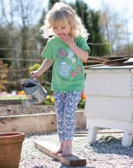 Brighten up any outfit with these delightfully ditsy printed leggings. With a comfortable elasticated waist and hint of elastane mixed in with the super soft organic cotton baggy knees will be kept at bay. Made with Organic Cotton.