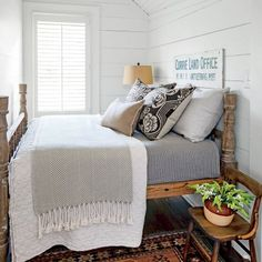 Charming Mountain Cottage: Bedroom