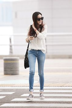 546 - Another! Jung Ryeo Won, Han Ye Seul, Korean Actresses, Airport Style, Asian Fashion, Street Style Women, Daily Fashion, Celebrity Style, Skinny Jeans
