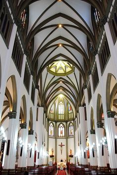 Iglesia de San José, Pereira-Colombia Largest Countries, Countries Of The World, Beautiful Buildings, Beautiful Places, Colombian People, Colombia South America, Spanish Speaking Countries, Walled City, Cathedral Church