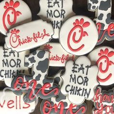 I love Chick-fil-A so much 14 Birthday Party Ideas, 1st Birthday Girls, 3rd Birthday Parties, 13th Birthday, Cute Cookies, Fox Cookies, Sugar Cookies, Sugar Cookie Royal Icing, Birthday Cookies
