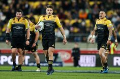 Beauden Barrett Photos Photos - Beauden Barrett of the Hurricanes looks on during the round 11 Super Rugby match between the Hurricanes and the Stormers at Westpac Stadium on May 5, 2017 in Wellington, New Zealand. - Super Rugby Rd 11 - Hurricanes v Stormers