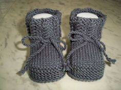 Knitted & Crocheted Shoes - Knitted Warm Baby Shoes - A De .- Strick- & Häkelschuhe – Gestrickte warme Babyschuhe – ein Designerstück von le… Knitted & Crocheted Shoes – Knitted Warm Baby Shoes – a unique product by on DaWanda - Knitted Baby Boots, Crochet Baby Sandals, Crochet Baby Shoes, Knitted Baby Blankets, Crochet Baby Booties, Slippers Crochet, Diy Baby Socks, Baby Booties Free Pattern, Baby Slippers