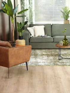 Diy Cardboard Furniture, Ikea Furniture, Upcycled Furniture, Furniture Makeover, Faux Fireplace Mantels, Craft Room Tables, Living Room Sets, Decorating On A Budget, Interior Design Living Room