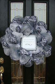 Several wreath decorating ideas here - no how to info