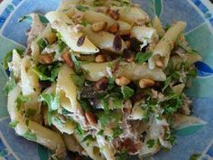 Pasta Recipe: Pasta with tuna and rucola. I Love Food, Good Food, Yummy Food, Pasta Recipes, Cooking Recipes, Dinner Recipes, Healthy Cooking, Healthy Recipes, Comfort Food