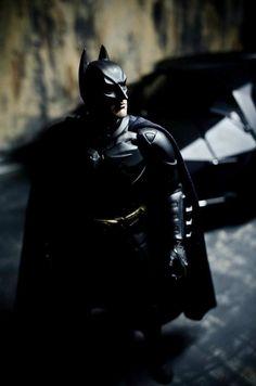Christian Bale as Batman<< Best live-action movie based Batman ever (to me personally) Batman Begins, Batman Art, Batman And Superman, Joker Batman, The Dark Knight Trilogy, Batman The Dark Knight, Bob Kane, Dc Comics, Nightwing
