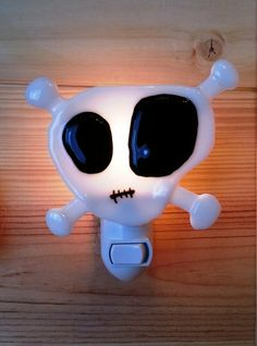 Nightlight skull fused glass pirate baby room par VeilleSurToi, $32.00