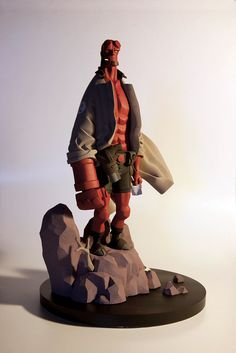 Mike Mignola - hellboy 1/6th figurine