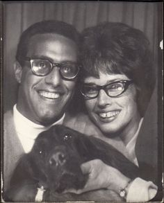 1960s couple wearing glasses and with their Irish setter dog in a Photo booth.  How about that Tooth gap Vintage Couples, Vintage Dog, Old Pictures, Old Photos, Time Pictures, Irish Setter Dogs, Vintage Magazine, Vintage Photo Booths, Photos Booth