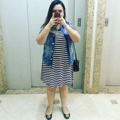 Look do dia combinando listras e colete! Como não amar? 💙 PS: tô viciada nesse colete! Haha! #ootd #lookdodia #lookdavidareal #outfitoftheday #outfit #look #fashion #moda #estilo #style #colete #vest #stripes #listras #mirror #black #pb #bw #nomakeupmonday #nomakeup #semmaquiagem #fashionblogger #blogger #blogueira #blog #blogueirademoda #blogueirinha #lifestyle #lifeasdaphne