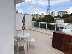Linda Cobertura Linear 3 Quartos com Hidromassagem de 4 Lugares no Ingá.  http://www.ingaimoveis.com.br/imovel/cobertura-residencial-venda-inga-niteroi-rj/co0001/  #imoveis #apartamentos #Niteroi