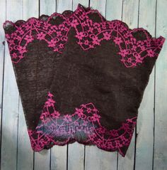 This pair of stretch lace boot cuffs is so adorable! The lace is very unique. It is very dark chocolate brown and gorgeous bright pink! Only $15 shipped from Down with Plumes!