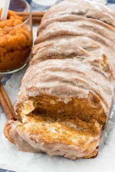 Easy Pumpkin Pull Apart Bread - an easy fall recipe!