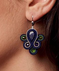Articoli simili a Soutache Earrings. Soutache Earrings, Tassel Earrings, Clip On Earrings, Silver Earrings, Imitation Jewelry, Polymer Clay Projects, Button Flowers, Button Crafts, Diy Accessories