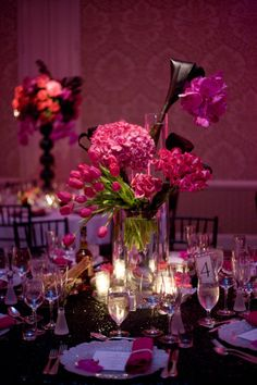 Beautiful flower combo and colors and tablescape... <3