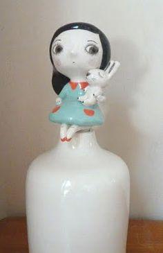 nathalie choux: Flacons... Ceramic Clay, Porcelain Ceramics, Ceramic Pottery, Pottery Sculpture, Sculpture Clay, Clay Dolls, Art Dolls, Ceramic Figures, Ceramic Planters