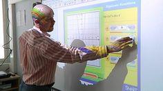 Opettajat, niin ala-asteella kuin vaikkapa lukiossa, voivat hyödyntää monipuolisesti älytauluja opetuksessaan.