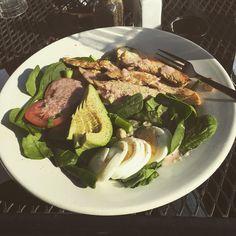 Post run lovin' #salad#love#food#instapic#atx#atxlife#austin#austinjava#greenpower#veggies by runliftsleeprepeat