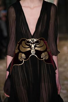 Art Nouveau is still very much 'en vogue'! Valentino Spring 2016 | JV