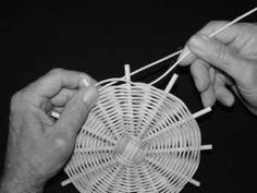 vannerie pour tous Initiation, Origami, Weaving, Crafts, Newspaper, Baskets, Nature, Ideas, Wicker