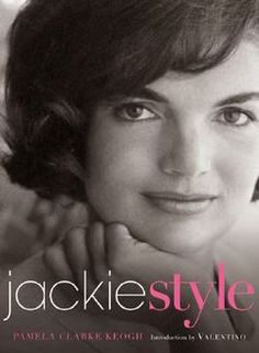 From the author of the bestselling Audrey Style Jacqueline Bouvier Kennedy Onassis was known by many names, but to us, she is Jackie. Jacqueline Kennedy Onassis, Jackie Kennedy Style, Les Kennedy, John Kennedy, Jackie O's, Southampton, Books To Buy, Read Books, Fashion Books