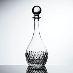 Individually handmade by skilled craftsman, the collection features delicately etched teardrop cuts created in the finest hand blown lead crystal. Somerset Collection, Wine Decanter, Luxury Gifts, Luxury Lifestyle, Craftsman, Silver Plate, Barware, Interior Design, Crystals