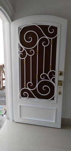 Steel Gate Design, Main Gate Design, Door Gate Design, House Gate Design, Door Design Interior, Unique Front Doors, Grill Door Design, Wrought Iron Decor, Iron Balcony