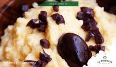¿Ya probaste nuestra Polenta con Aceitunas? Receta del norte de Italia. Nuestra polenta cremosa de maíz se cuece en leche y caldo, añadiendo aceitunas negras para darle mayor carácter. Coco, Pudding, Desserts, Creamy Polenta, Northern Italy, Milk, Recipes, Cook, Tailgate Desserts