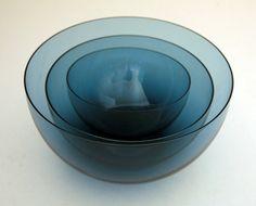 "Kaj Franck, Iittala Delicate Blown Glass Bowl Set Notsjo line blown rare ""blueberry"" color glass. Kitchenware, Tableware, Electronic Gifts, Retro Art, Vintage Art, Glass Design, Scandinavian Design, Bowl Set, Shades Of Blue"