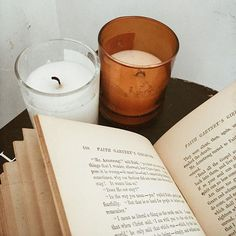 saturday things 〰 old books & candles.