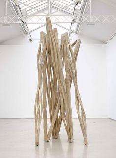 """""""Strut"""" (2010) / Richard Deacon"""