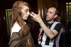 Backstage James Kelly - Final touches