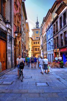 Oviedo un día cualquiera. Me encanta este ciudad. No quiero marchar.