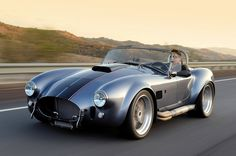 Superformance is a distributor of complete rolling continuations from the sixties like the Shelby Cobra, Daytona Coupe, and the Corvette Grand Sport. Ford Shelby Cobra, Ac Cobra, Shelby Car, Car Ford, Ford Gt, My Dream Car, Dream Cars, Cobra Replica, Cabriolet