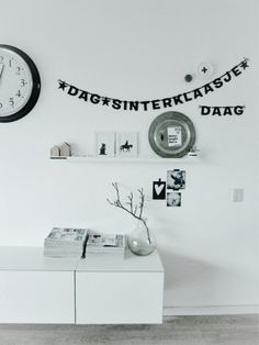 In wijk daar staat een huis: Kerst items en een beetje Sinterklaas Make Your Own Banner, Black And White Interior, Silhouette Cameo Projects, Home Living Room, Interior Inspiration, Kids Room, New Homes, Home Decor, Lightbox