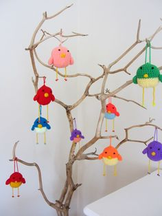 Happiness Crafty: Crochet Easter Birds - Free pattern.