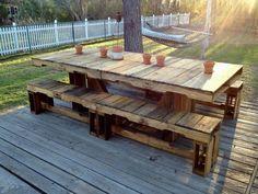 Table en palette pour une utilisation en extérieur sur la terrasse