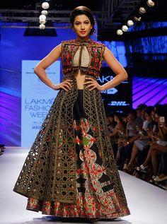 Designer Indo Western #Outfits for #Wedding Ceremony!