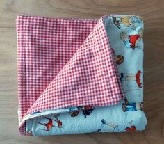 Need a baby blanket quick? This one only takes 30 minutes. Great for baby showers and presents for new moms.