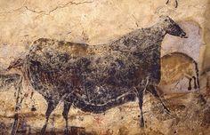 Scenes From the Stone Age: The Cave Paintings of Lascaux Art Pariétal, Paleolithic Art, Art Rupestre, Lascaux, Cave Drawings, Field Museum, Art Antique, Black Cow, Chef D Oeuvre