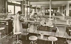 Het verzorgen van couveuse baby's op de kraamafdeling van het diaconessenhuis 1969