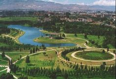 Simon Bolivar Park. Bogotá Colombis Sierra Nevada, Places To Travel, Places To Go, Colombian Culture, Merida, Country Landscaping, Cities, South America Travel, Gardens