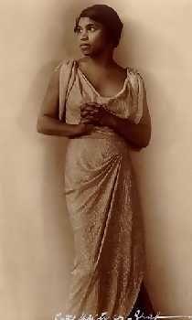 Marian Anderson. Revolutionary Contralto.