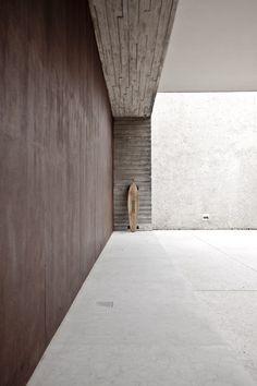 House in Sao Paulo Brazil by Marcio Kogan - picture by Jonas Bjerre-Poulsen