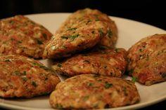 Rezept für Faschierte Laibchen mit Kartoffel-Sellerie Püree Tastes, Kind, Tandoori Chicken, Motto, Ethnic Recipes, Meat Dish, Delicious Dishes, Browning, Pigs