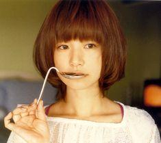 【元ジュディマリ】YUKIのかわいい画像30選!メイクの方法は?のサムネイル画像